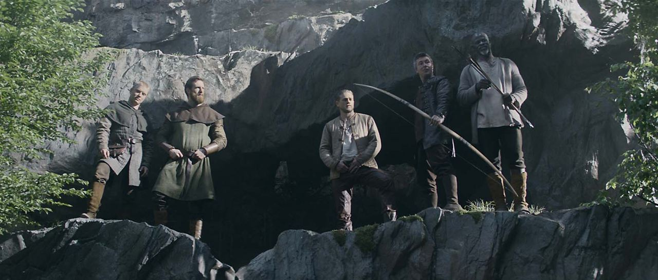Le Roi Arthur: La Légende d'Excalibur : Photo Aidan Gillen, Charlie Hunnam, Djimon Hounsou, Eric Bana, Freddie Fox