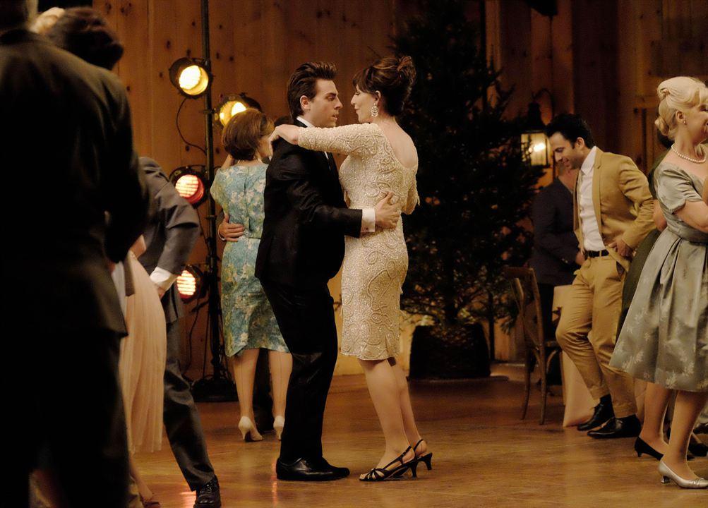 Dirty Dancing : Photo Colt Prattes, Katey Sagal