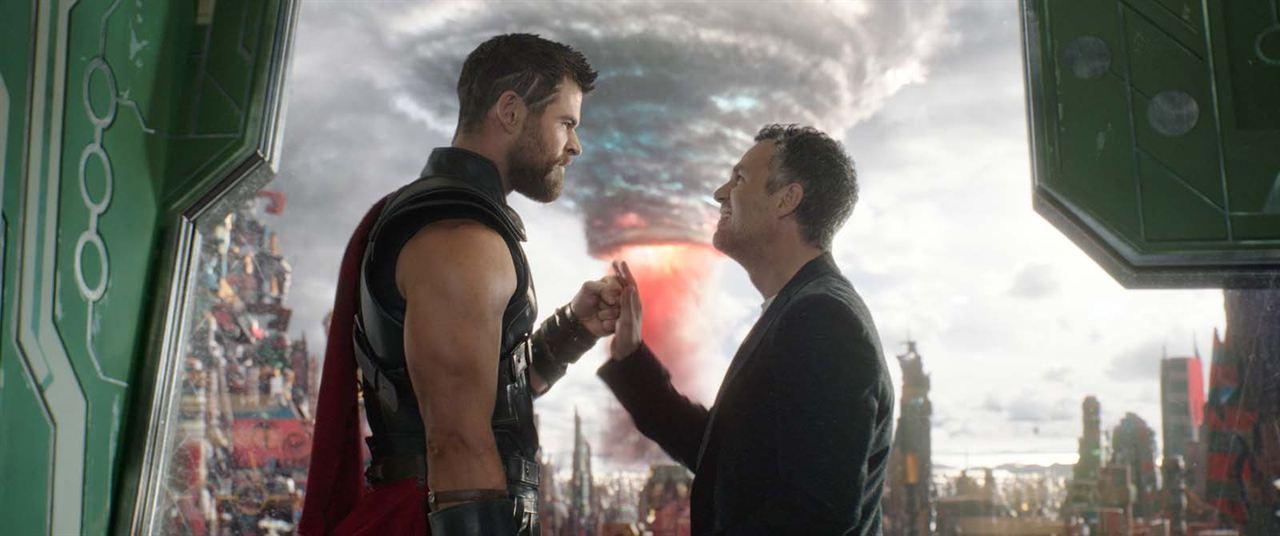 Thor : Ragnarok : Photo Chris Hemsworth, Mark Ruffalo