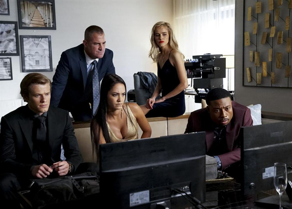 Photo George Eads, Isabel Lucas, Justin Hires, Lucas Till, Tristin Mays
