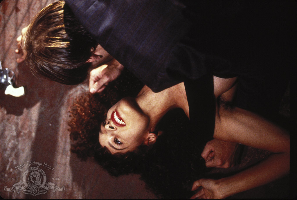 Embrasse-moi vampire : Photo Jennifer Beals, Nicolas Cage