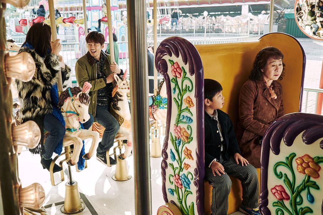 The Bacchus Lady : Photo Yoon Kye-sang, Yuh Jung Youn