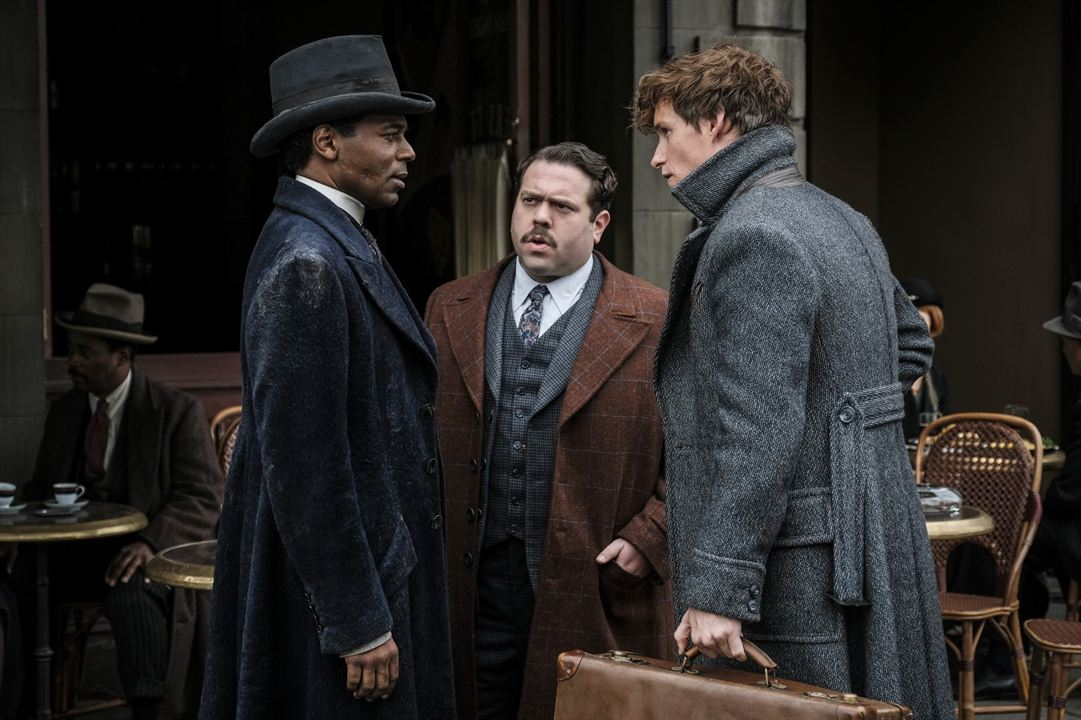 Les Animaux fantastiques : Les crimes de Grindelwald : Photo Dan Fogler, Eddie Redmayne, William Nadylam