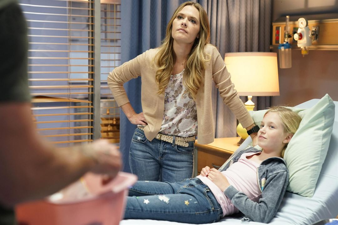 Photo Maggie Lawson, Shay Rudolph
