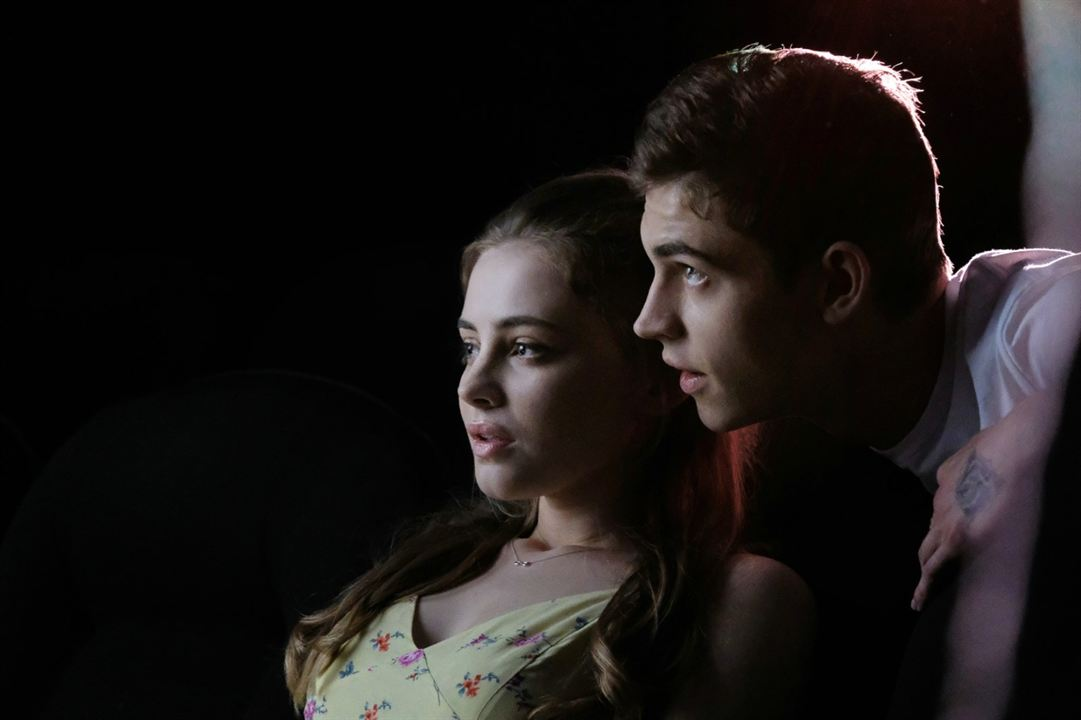 After - Chapitre 1 : Photo Hero Fiennes-Tiffin, Josephine Langford