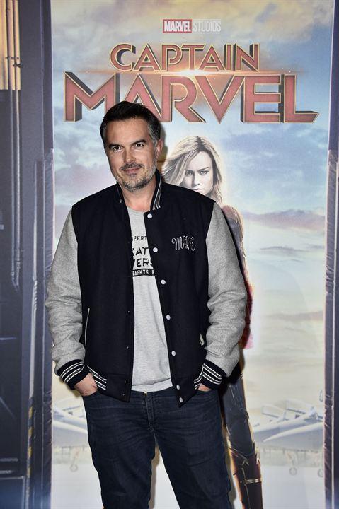Captain Marvel : Photo promotionnelle Maxime Chattam