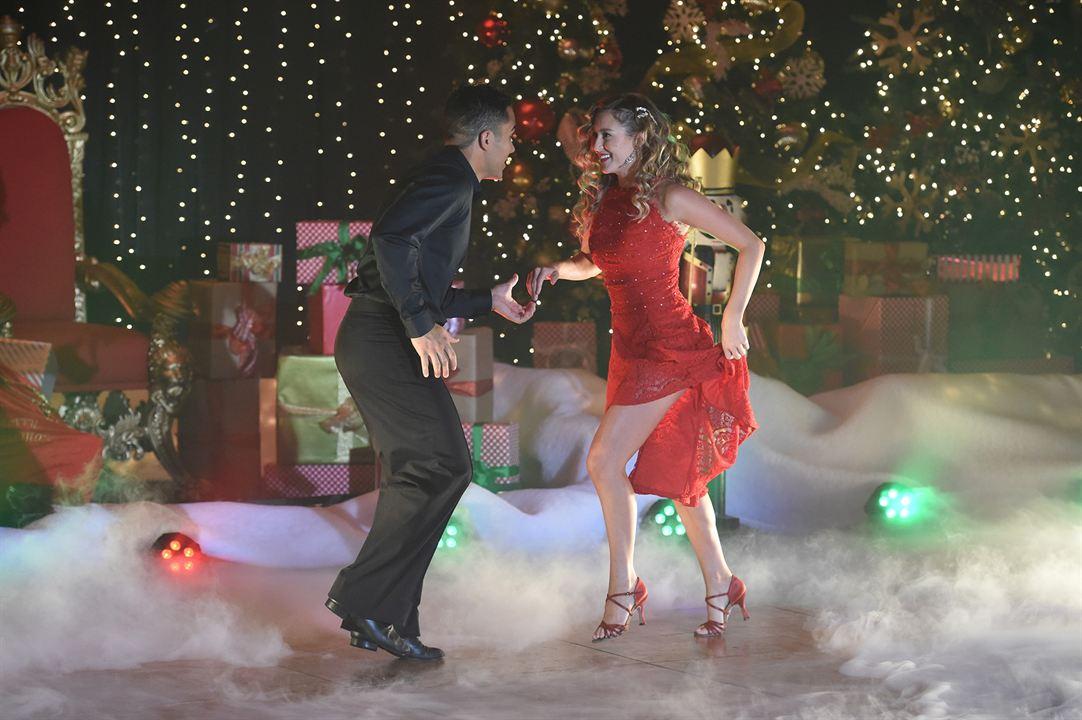 Noël en dansant : Photo Alexa PenaVega, Carlos PenaVega