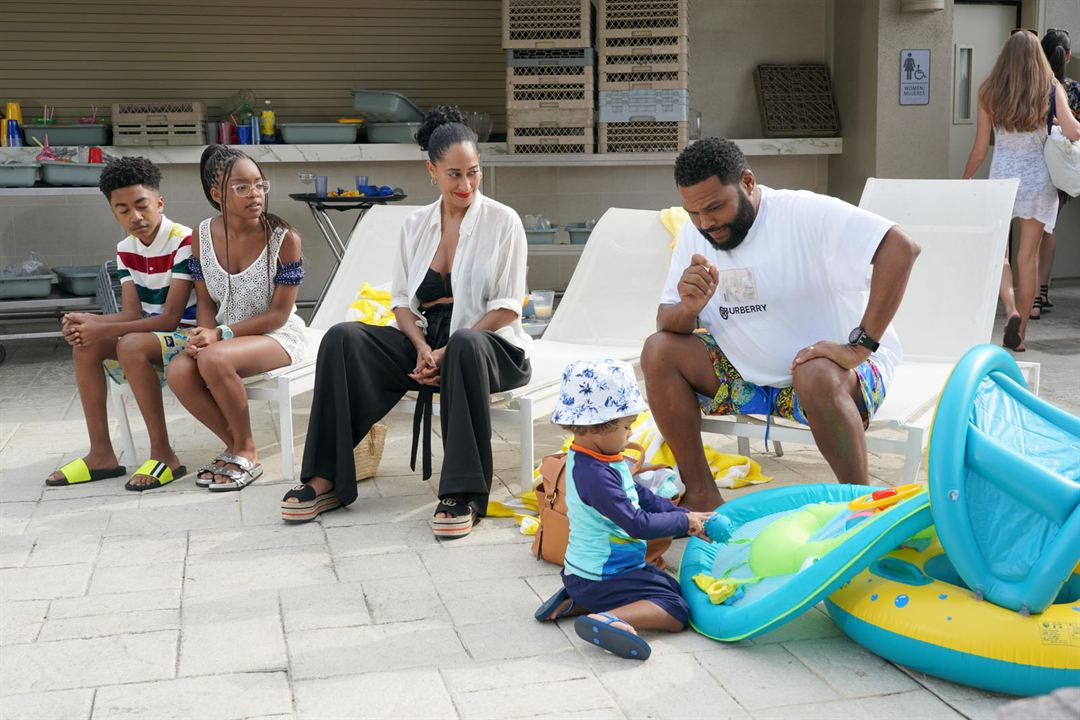 Photo Anthony Anderson, August Gross, Marsai Martin, Miles Brown, Tracee Ellis Ross