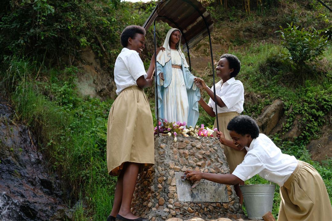Notre-Dame du Nil : Photo Albina Kirenga, Amanda Mugabekazi, Clariella Bizimana
