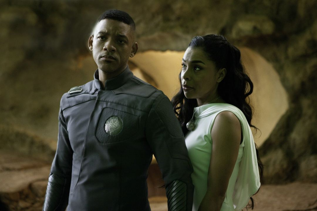After Earth : Photo Sophie Okonedo, Will Smith
