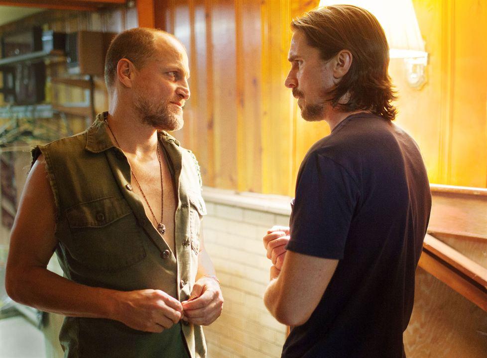 Les Brasiers de la Colère : Photo Christian Bale, Woody Harrelson