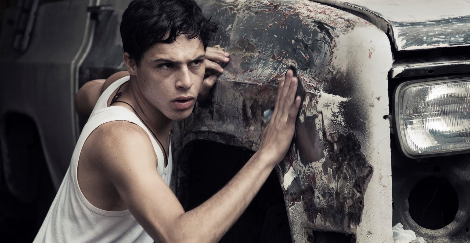 Los amantes de Caracs - Luis Silva