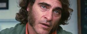 Bande-annonce Inherent Vice : Joaquin Phoenix en détective à rouflaquettes pour Paul Thomas Anderson