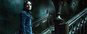 Crimson Peak : Jessica Chastain dans les ténèbres sur une photo