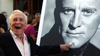 Comme Kirk Douglas, quels acteurs ont plus de 100 ans ?