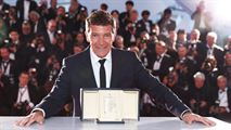 Cannes 2019 : Antonio Banderas, Bong Joon-Ho, Emily Beecham... Les lauréats prennent la pose !