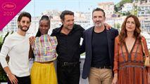 Cannes 2021 : Jean Dujardin, Pierre Niney et l'équipe d'OSS 117 prennent la pose