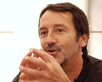 Jean-Hugues Anglade commente sa biographie AlloCiné