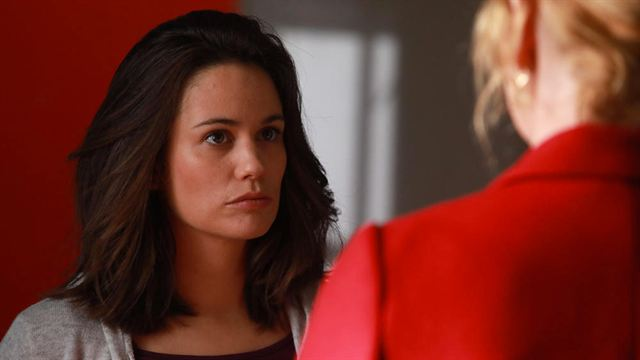 Elodie Fontan (Alyzée) quitte la série de TF1 — Clem