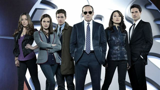 Les premières images d'Agents du SHIELD saison 3, Sam Smith pour la BO de Spectre, des nouvelles de Mortal Instruments 2...