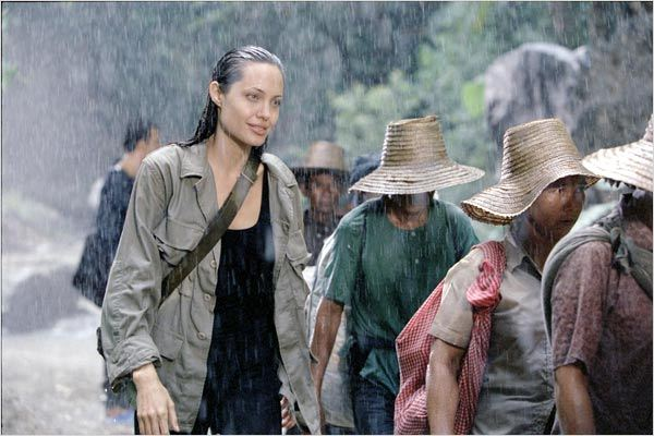 Sans frontière : photo Angelina Jolie, Martin Campbell