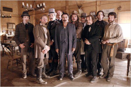 Deadwood : photo Brad Dourif, Ian McShane, John Hawkes, Powers Boothe, Ray McKinnon