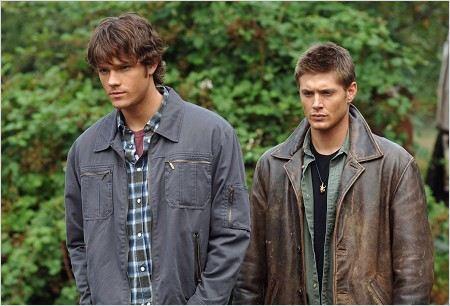 Photo de jared padalecki dans la s rie supernatural photo 458 sur 472 allocin - Jensen ackles taille ...