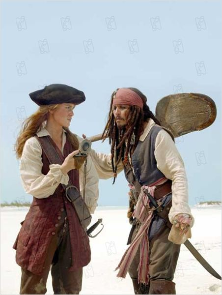 Pirates des Caraïbes : le Secret du Coffre Maudit : Photo Johnny Depp, Keira Knightley