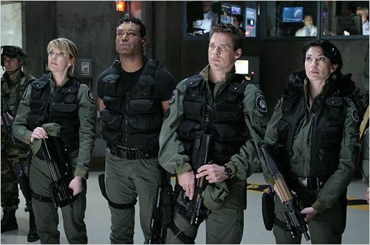 Stargate SG-1 : photo Amanda Tapping, Ben Browder, Christopher Judge, Claudia Black