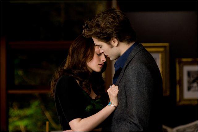 Twilight - Chapitre 2 : tentation : Photo Kristen Stewart, Robert Pattinson, Stephenie Meyer