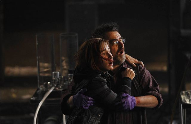 Warehouse 13 : Photo Allison Scagliotti, Saul Rubinek