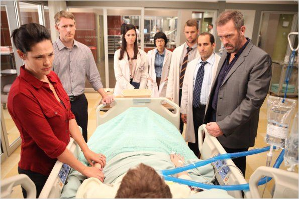 Dr House : photo Charlyne Yi, Harrison Thomas, Hugh Laurie, Jesse Spencer, Kovar McClure
