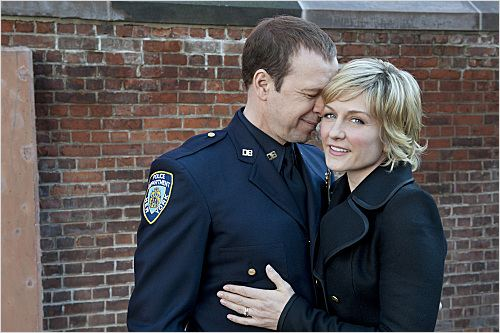 Blue Bloods : photo Amy Carlson, Donnie Wahlberg