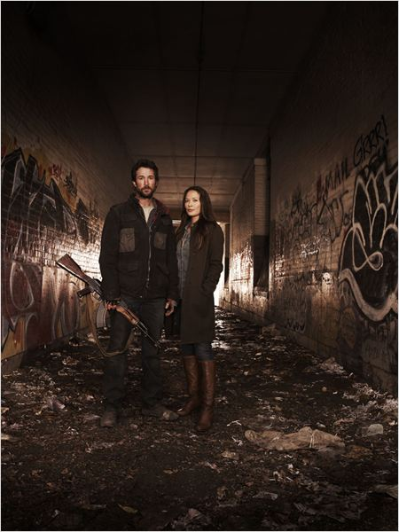 Falling Skies : Photo Moon Bloodgood, Noah Wyle