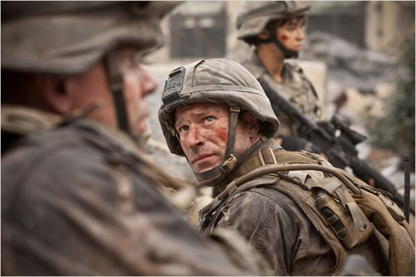 World Invasion : Battle Los Angeles : photo Aaron Eckhart, Jonathan Liebesman