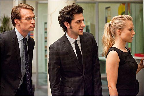 Photo Ben Schwartz, Josh Lawson, Kristen Bell