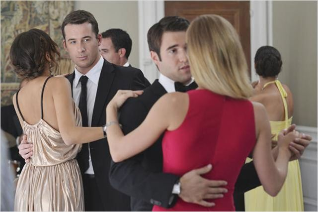 Photo Ashley Madekwe, Barry Sloane, Emily VanCamp, Joshua Bowman