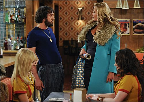 2 Broke Girls : photo Beth Behrs, Jennifer Coolidge, Jonathan Kite, Kat Dennings