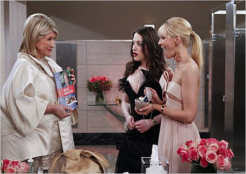 2 Broke Girls : photo Beth Behrs, Kat Dennings, Martha Stewart