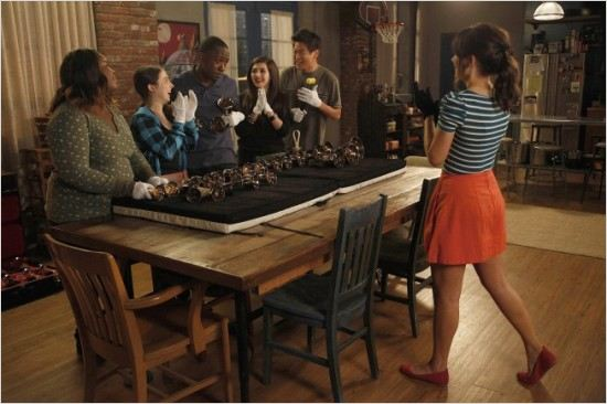 New Girl : photo Esther Povitsky, Ki Hong Lee, Lamorne Morris, Raven Goodwin, Tiffany Ariany