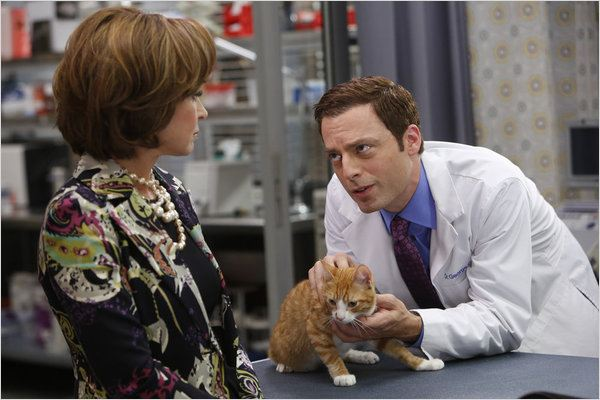 Animal Practice : photo Annie Potts, Justin Kirk
