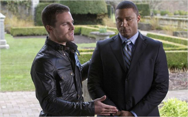 Arrow : photo David Ramsey, Stephen Amell