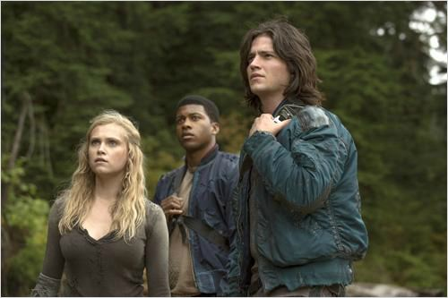 Photo Eli Goree, Eliza Taylor, Thomas McDonell