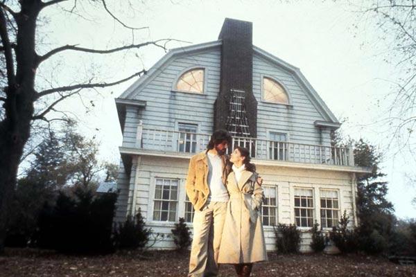 Amityville la maison du diable 1980 crimson peak for Amityville la maison du diable livre