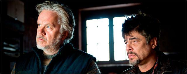 Bande-annonce A perfect day : Benicio Del Toro et Mélanie Thierry humanitaires en zone de guerre