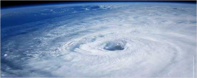 300 jours de tournage, collaboration avec la Nasa, montée des eaux... Ouragan en 5 vidéos !
