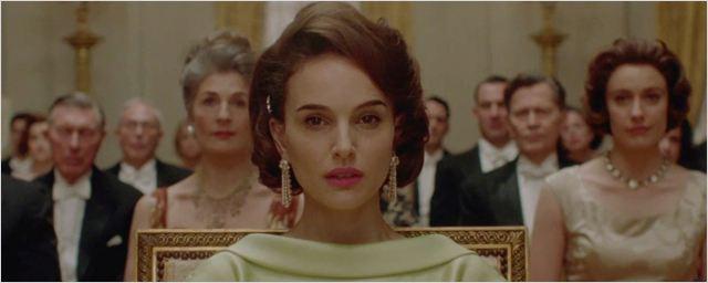 """Natalie Portman métamorphosée en Jackie Kennedy : découvrez la bande-annonce de """"Jackie"""""""