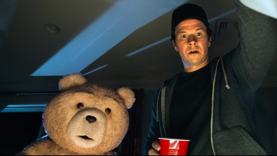 trailer 2 vo de ted 2 2015 au cin ma avignon capitole studios. Black Bedroom Furniture Sets. Home Design Ideas