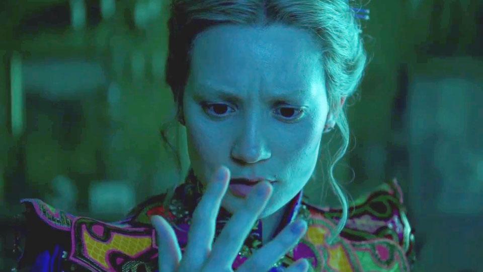Trailer du film alice de l 39 autre c t du miroir alice de for L autre cote du miroir