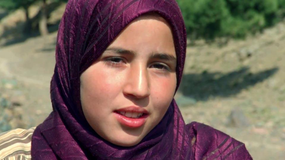 """Résultat de recherche d'images pour """"photo Zahira dans le chemin de l'ecole le film"""""""